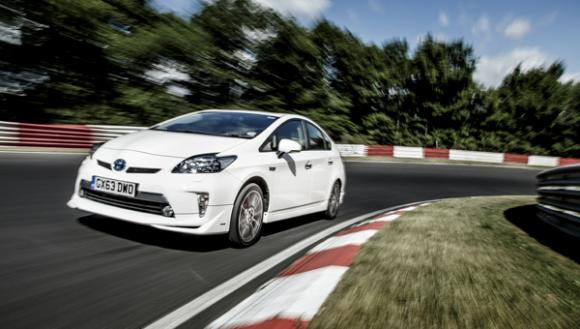 Toyota Prius Plug In Uses Electric Range To Set New Mpg Record At The Nürburgring
