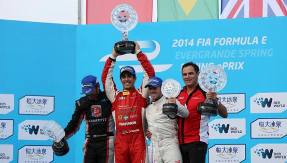 lucas-di-grassi-wins-formula-race-dramatic-fashion