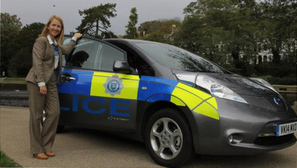 nissan-electric-vehicles-introduced-surrey-sussex-police-fleet