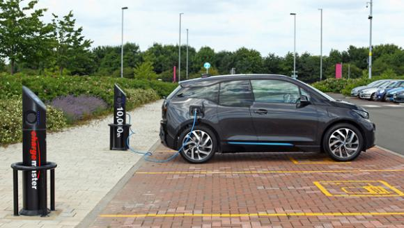 chargemaster-assures-ev-drivers-99-charging-points-working