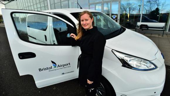 bristol-airport-plugs-nissan-nv200-electric-van