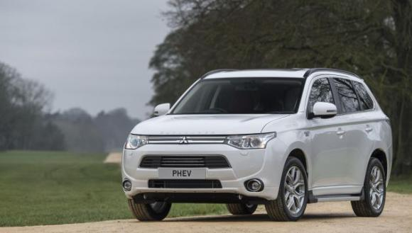 higher-specification-outlander-plug-hybrid-revealed