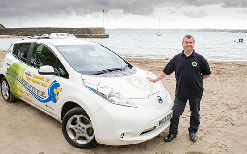 electric taxi company clocks 100,000 miles nissan leaf