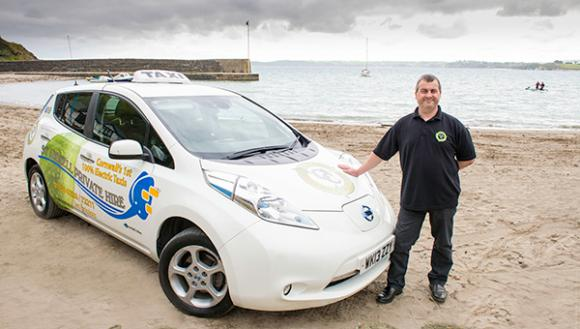 electric-taxi-company-clocks-100000-miles-nissan-leaf