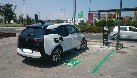 rolec-supply-fast-ev-charging-points-italian-mcdonalds
