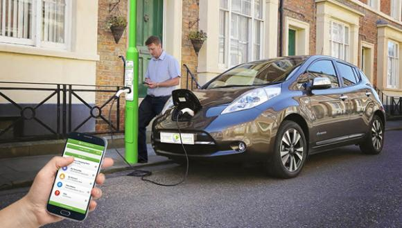lamp-post-ev-charge-points-launched-rolec