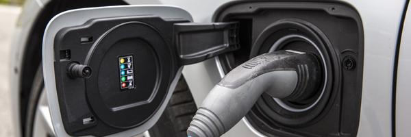 bmw 330e home charging