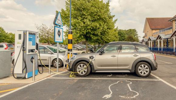 ev-drivers-making-good-geniepoint-chargers