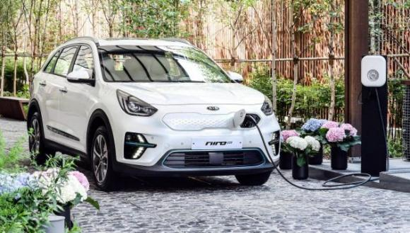 kia-niro-ev-crossover-due-uk-launch-late-2018