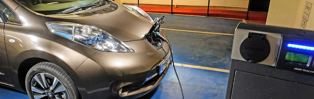 nissan leaf how to charge