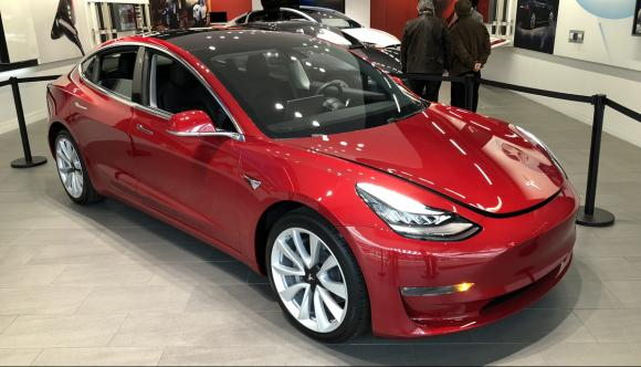 tesla-previews-model-3-uk