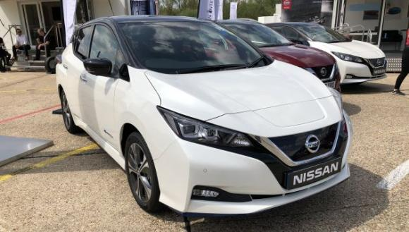 early-drive-nissan-leaf-62-kwh